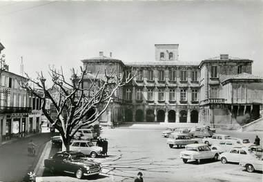 """CPSM FRANCE 84 """"Valreas, Chateau de Simiane"""""""