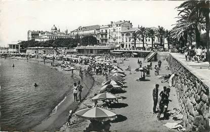 """CPSM  FRANCE 83 """"Saint Raphaël, la plage"""""""