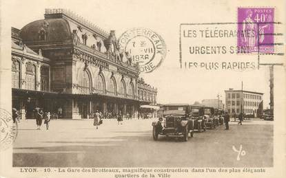 "/ CPA FRANCE 69 ""Lyon, la gare des Brotteaux"" / AUTOMOBILE / FLAMME"