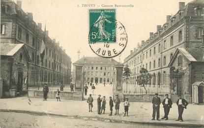 """/ CPA FRANCE 10 """"Troyes, caserne Beurnonville"""""""