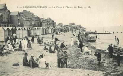 """/ CPA FRANCE 14 """"Langrune sur Mer, la plage à l'heure du bain"""""""