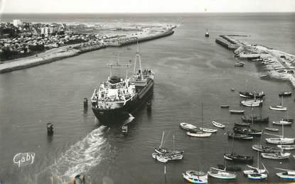 """/ CPSM FRANCE 14 """"Ouistreham Riva Bella, entrée du port"""""""