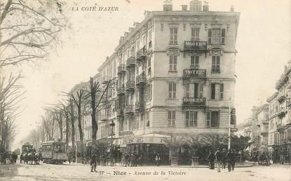 """CPA  FRANCE 06 """"Nice , avenue de la Victoire"""""""