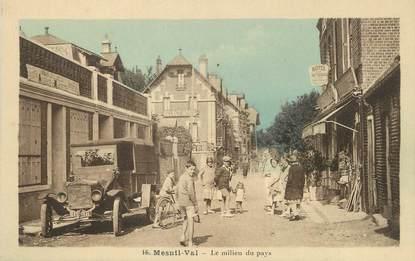 "/ CPA FRANCE 76 ""Mesnil Val, le milieu du pays"""