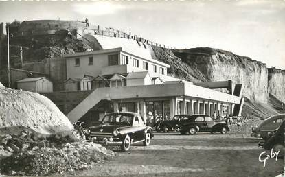 """/ CPSM FRANCE 76 """"Mesnil Val, le casino, le dauphin"""" / AUTOMOBILE"""