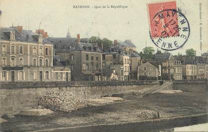 """/ CPA FRANCE 53 """"Mayenne, quai de la République"""""""