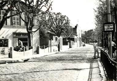 """CPSM  """"Marseille, La Croix Rouge, la Route d'Ailauch"""""""