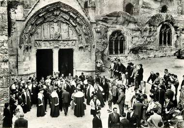 """CPSM FRANCE 33 """"Saint Emilion, Eglise monolithe, sortie des Jurats"""""""