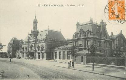 "/ CPA FRANCE 59 ""Valenciennes, la gare """