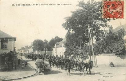 """/ CPA FRANCE 28 """"Chateaudun, le 1er chasseurs rentrant des Manoeuvres"""""""