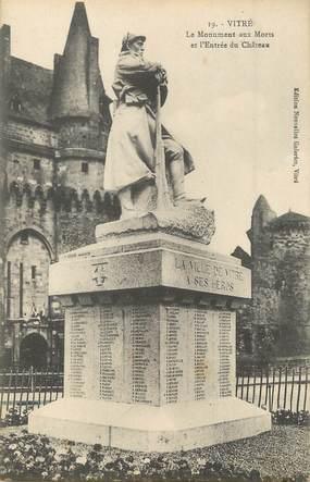 """/ CPA FRANCE 35 """"Vitré, le monument aux morts et l'entrée du château"""""""