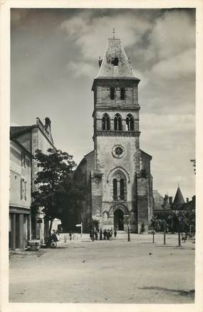 """/ CPSM FRANCE 24 """"Thiviers, l'église"""""""