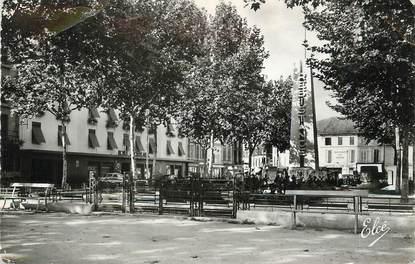 """/ CPSM FRANCE 24 """"Bergerac, monument de la résistance et l'hôtel de Bordeaux"""""""
