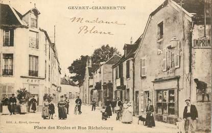 """CPA  FRANCE 21 """"Gevret chambertin, place des ecoles et rue Richebourg"""" / LIBRAIRIE"""
