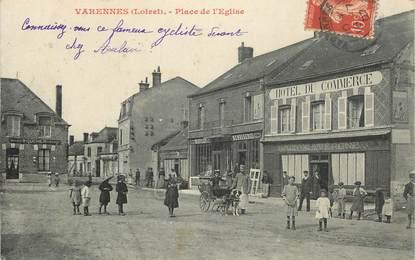 """CPA FRANCE 45 """"Varennes, Place de l'Eglise"""" / VOITURE A CHIEN"""