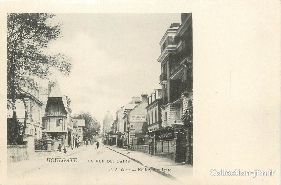 Cpa france 14 houlgate la rue des bains 14 for Rue des bains