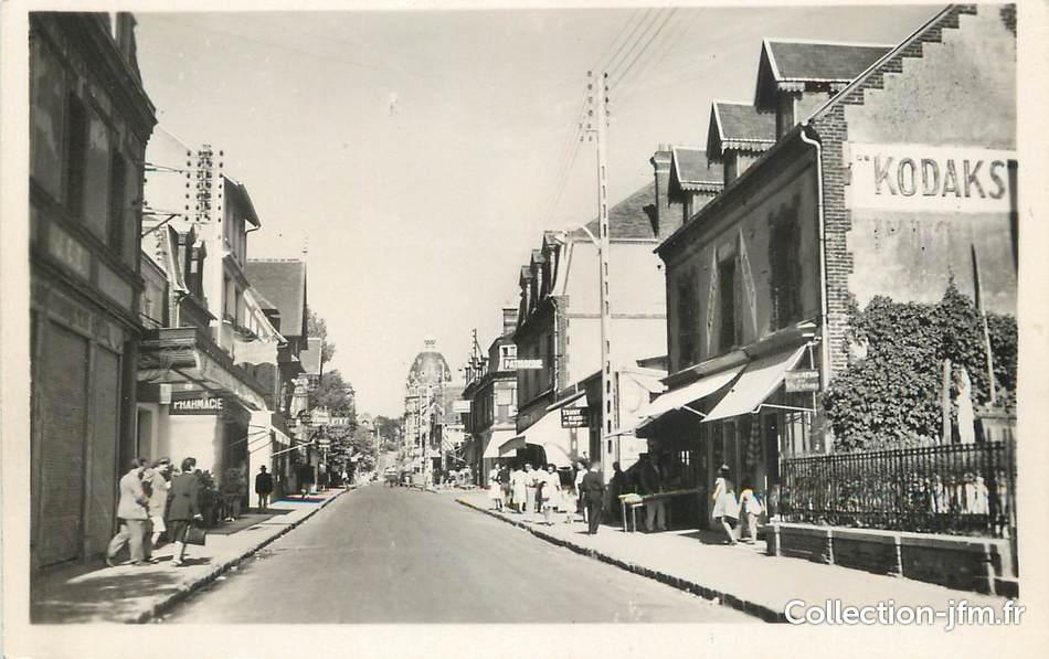 Cpsm france 14 houlgate la rue des bains 14 for Rue des bains