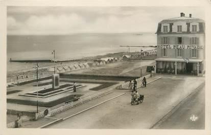 """/ CPSM FRANCE 14 """"Luc sur Mer, la plage et l'hôtel Beau Rivage"""""""