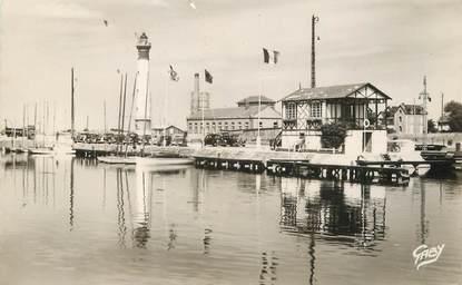 """/ CPSM FRANCE 14 """"Ouistreham, le yachting club et le pahre"""""""
