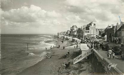"""/ CPSM FRANCE 14 """"Saint Aubin sur Mer, la plage"""""""
