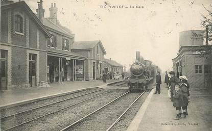 "CPA FRANCE 76 ""Yvetot, la gare"" / TRAIN"