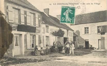 """CPA FRANCE 77 """"La Chapelle Véronge, un coin du village"""" / JEU DE QUILLES"""