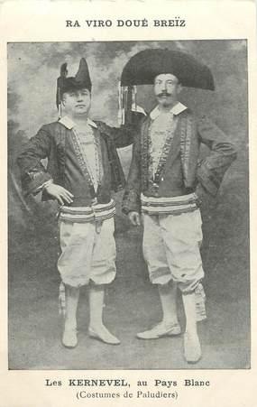 """/ CPA FRANCE 44 """"Les Kernevel au pays Blanc, costumes de Paludiers"""""""