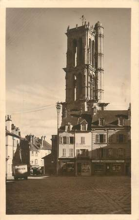 """/ CPSM FRANCE 78 """"Mantes Gassicourt, place du marché et tour Saint Maclou"""""""
