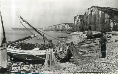 """/ CPSM FRANCE 76 """"Yport, préparatifs pour la pêche"""""""