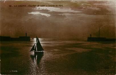 """CPSM FRANCE 76 """"Le Havre, coucher de soleil à l'entrée du port"""""""