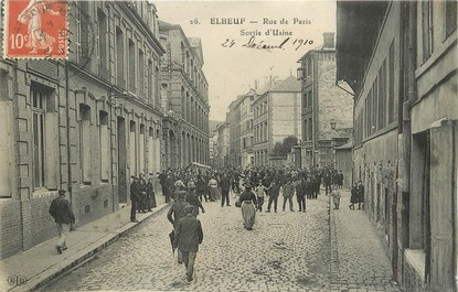 "/ CPA FRANCE 76 ""Elbeuf, Rue de Paris, sortie de l'usine"""