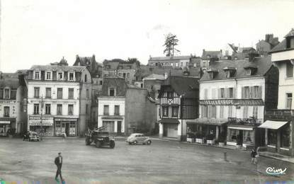 """/ CPSM FRANCE 76 """"Bolbec, place Carnot"""""""