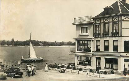 """/ CPSM FRANCE 76 """"La Bouille, la Seine et l'hôtel Saint Pierre"""""""