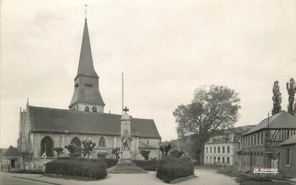 """/ CPSM FRANCE 76 """"Duclair, l'église et le monument aux morts"""""""