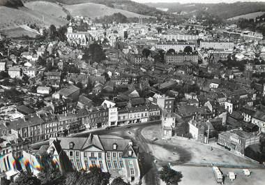 """/ CPSM FRANCE 76 """"Darnétal, l'hôtel de ville, place du Maréchal Foch et vue générale"""""""