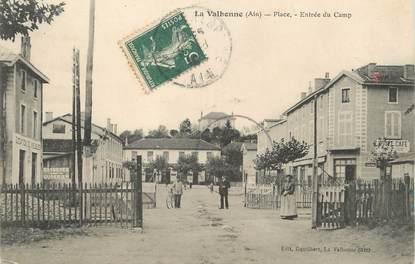 """/ CPA FRANCE 01 """"La Valbonne, place, entrée du camp"""""""