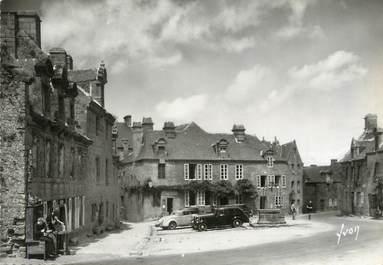 """/ CPSM FRANCE 29 """"Locronan, sur la place, maisons de la renaissance"""""""
