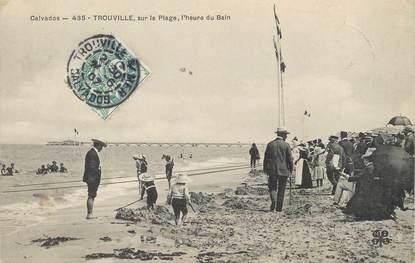 """CPA FRANCE 14 """"Trouville sur la plage, l'heure du bain"""""""