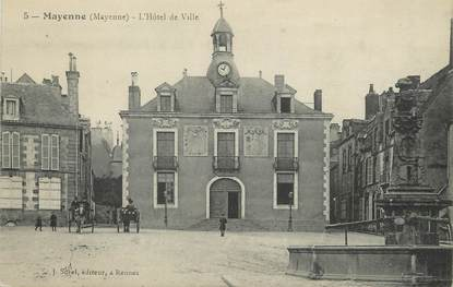 """/ CPA FRANCE 53 """"Mayenne, l'hôtel de ville"""""""