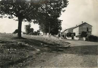"""/ CPSM FRANCE 04 """"Revest du Bion, route de Banon"""""""