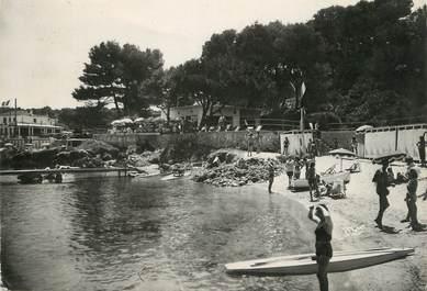 """/ CPSM FRANCE 06 """"Cap d'Antibes, la Garoupe, un coin de la plage"""""""