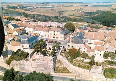 """/ CPSM FRANCE 77 """"Château  Landon"""""""