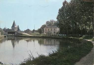 """/ CPSM FRANCE 77 """"Claye Souilly, le canal et l'église"""""""