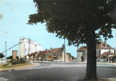 """/ CPSM FRANCE 77 """"Nangis, entrée de la ville par la route Paris Belfort"""""""