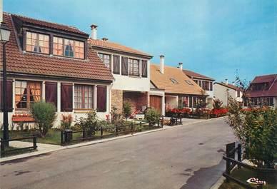 """/ CPSM FRANCE 77 """"Tournan en Brie, les cottages"""""""