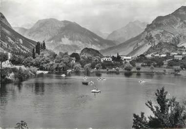 """/ CPSM FRANCE 05 """"La Roche de Rame, vue générale et le lac"""""""