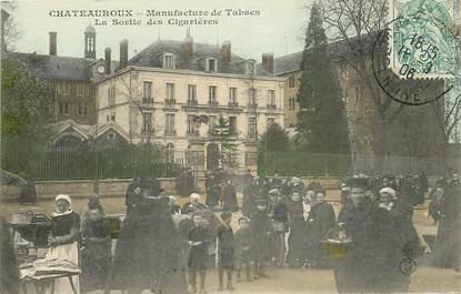 """CPA FRANCE 36 """"Châteauroux, Manufacture des Tabacs, la sortie des cigarières"""""""