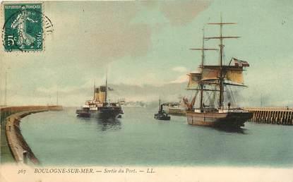 """CPA FRANCE 62 """"Boulogne sur Mer, sortie du Port, Ed. L.L."""""""