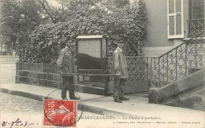 """/ CPA FRANCE 88 """"Plombières Les Bains, la chaise à porteurs"""""""