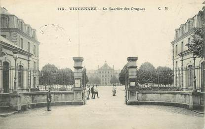 "/ CPA FRANCE 94 ""Vincennes, le quartier des dragons"""
